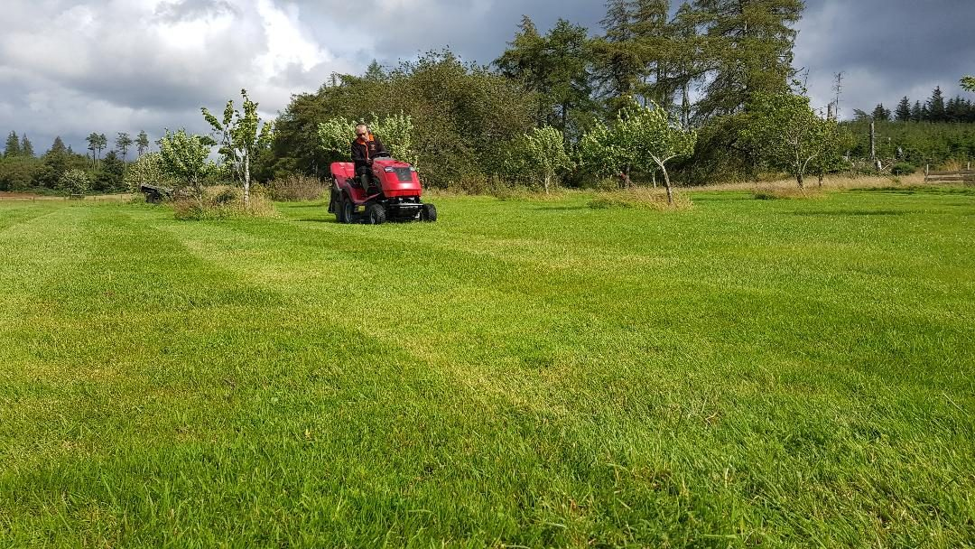Scott Donald's Countax C60 garden tractor in action
