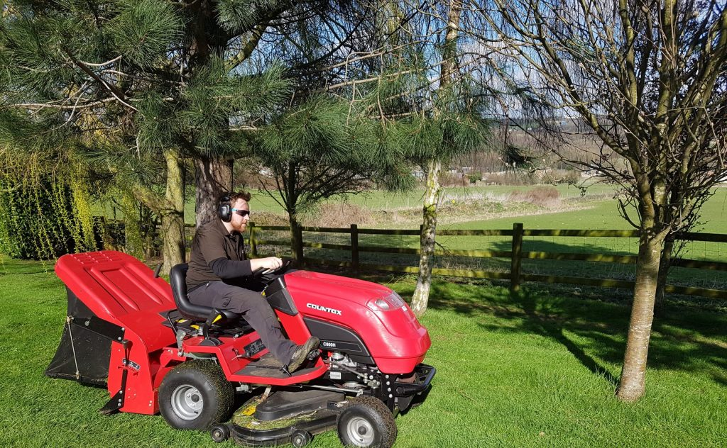 Cutting and collecting grass - Countax garden tractor
